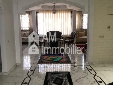 Très belle Maison avec entrepôt à vendre à Ait Meloul